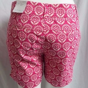 LOFT Shorts - FUCHSIA & WHITE FLORAL DRESS CASUAL RIVIERA SHORTS